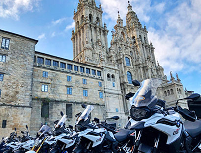 Arrival Santiago de Compostela, safety briefing and welcome dinner